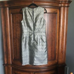 Taylor Dresses - EUC Taylor Gold Metallic Polka Dot Waist Dress